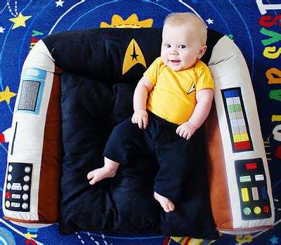 trek captain s chair pet bed at mighty ape australia