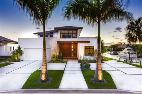 Front Yard Landscaping Ideas For Your Home Peeinn Flower