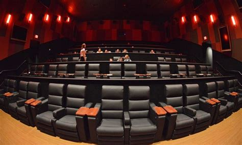 cinetopia living room theatre cinetopia overland park 18 living room theater with