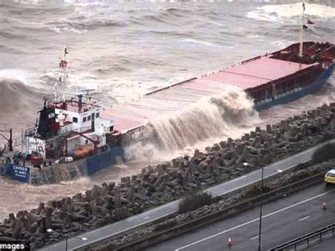 Tug Boat Accidents Youtube by Accidents With Cargo Ships Cargo Ship Accidents Youtube
