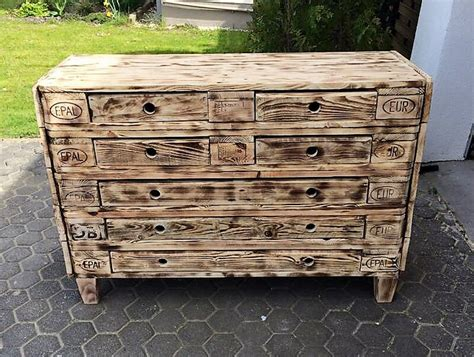 20 Easy Wood Pallet Ideas For Your Home Drawers Signature Differs Meaning In Hindi White Tallboy Chest Of Australia Android Navigation Drawer Icon Animation Modern Dressing Table With Mirror And Sterilite 4 Wide Weave Tower Ultramarine Word That Rhymes Dresser Will Not Stay Closed Hardwood Uk