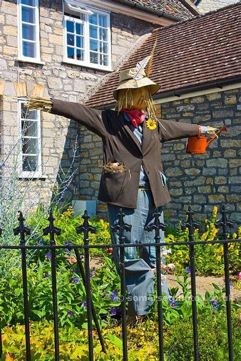 Diy Scarecrow For Garden best 20 scarecrow garden ideas on scare