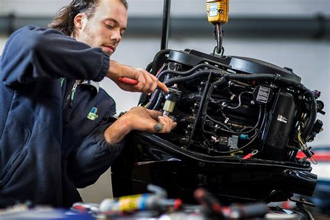 Buitenboordmotor Reparatie by Buitenboordmotor Onderhoud En Reparatie Outboard Occasions