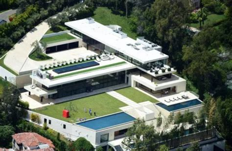 Jayz & Beyonce Put $120 Million Offer On Bel Air Mega