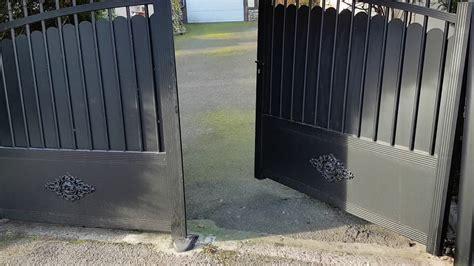 14 cor 233 nov portail ouverture sur pente portillon fermeture vue ext 233 rieur
