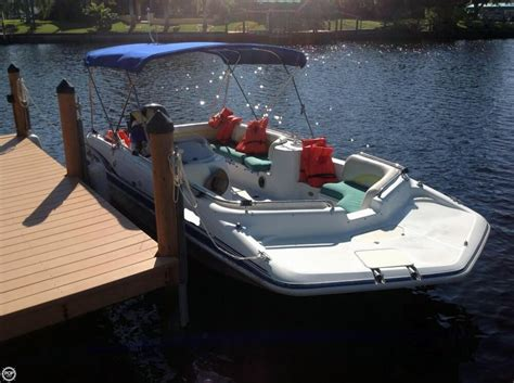 Hurricane Fun Deck Boats Used 2001 used hurricane fun deck gs 201 deck boat for sale