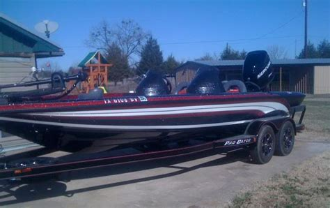 How Much Do Phoenix Bass Boats Cost by Fishing From A Real Bass Boat Off Topic Texas Fishing