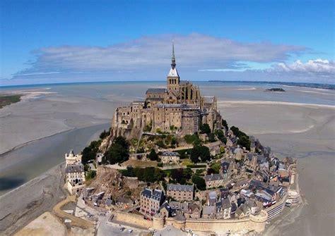 fichier l abbaye du mont michel vue du ciel jpg vikidia l encyclop 233 die des 8 13 ans