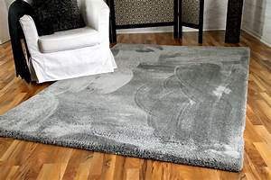 Teppich Kinderzimmer Grau : luxus shaggy hochflorteppich silky soft grau teppiche hochflor langflor teppiche schwarz grau ~ Markanthonyermac.com Haus und Dekorationen