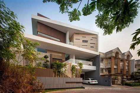Maison Moderne à L'architecture Contemporaine Au Cœur De