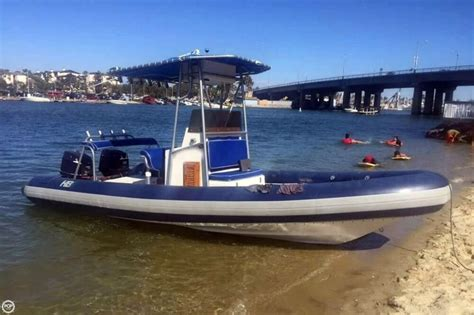 Inflatable Boat With Console by 1989 Used Hbi 20 6 Rigid Inflatable Boat Center Console