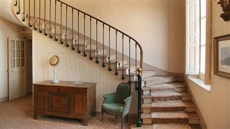 comment amenager espace stockage escalier design de maison