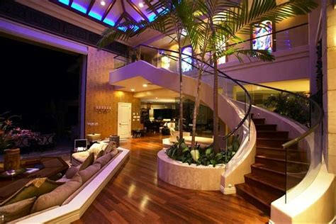 luxury mansions homes tiger woods beachfront home of