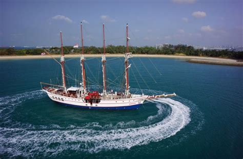 Sailing Boat Singapore by Yacht Weddings In Singapore Where To Hire A Boat For A