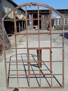 Fenster Mit Rundbogen : rundbogen gusseisenfenster mit kippoberlicht historische bauelemente jetzt online bestellen ~ Markanthonyermac.com Haus und Dekorationen