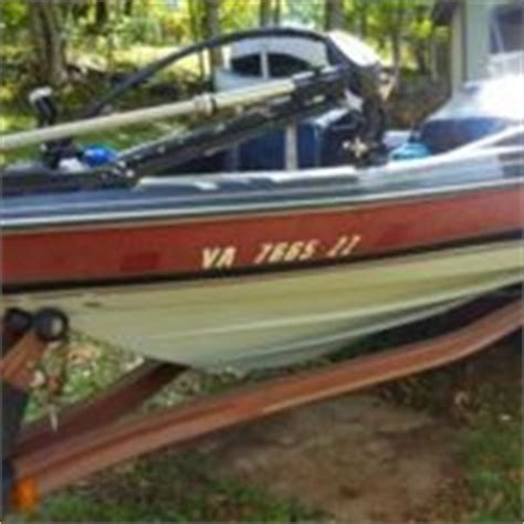 Bass Boats For Sale In Del Rio Texas by 19 Falcon Bass Boat Tri Hull W 88 Johnson Motor For Sale