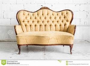 Retro Sofa Kaufen : retro sofa 6 deutsche dekor 2017 online kaufen ~ Markanthonyermac.com Haus und Dekorationen