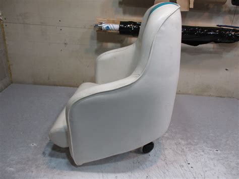 captains chair boat marine boat seat green bay propeller marine llc