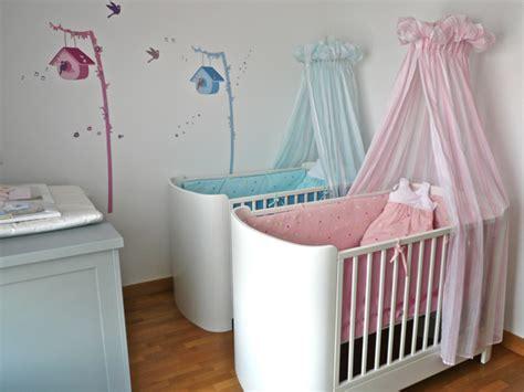 idee deco chambre bebe jumeaux mixte