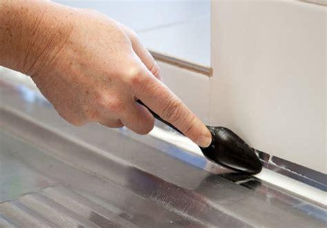 comment changer un joint silicone dans votre cuisine ou votre salle de bains d 233 coration