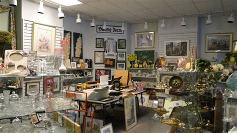 Home Decor Thrift Store : Cat's Meow Marketplace Thrift Store