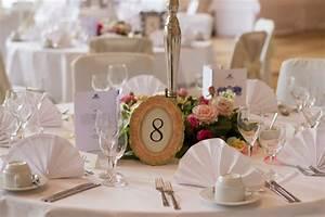 Deko Für Hochzeit : runde tische deko platzkarten event und hochzeit ~ Markanthonyermac.com Haus und Dekorationen
