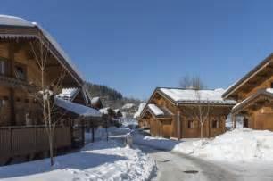 les chalets du bois de chelle morillon location vacances ski morillon ski planet