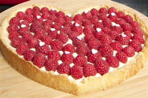 dessert f 234 te des m 232 res tarte aux framboises et verrine dessert f 234 te des m 232 res tarte aux