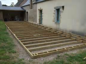 nivrem terrasse en bois sur sol meuble diverses id 233 es de conception de patio en bois