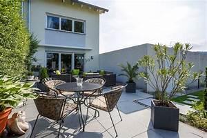 Kleine Terrasse Gestalten : terrasse mit pflanzen gestalten tipps und tricks galanet ~ Markanthonyermac.com Haus und Dekorationen