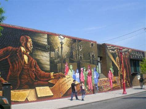 un mural picture of mural arts program of philadelphia