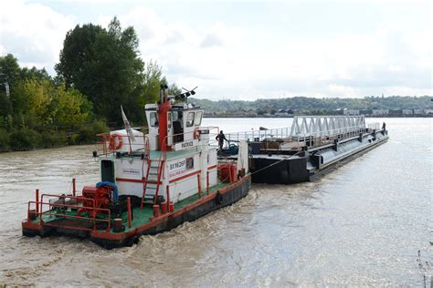 le ponton montesquieu arrive 224 bon port bordeaux quartiers
