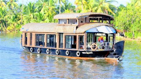 Houseboats Under 10000 by 1 Bedroom Premium Boathouse With Upper Deck Alleppey