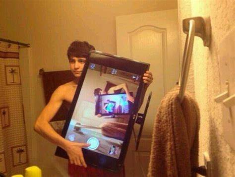 Ladies And Gentlemen I Give You 'the Inception Selfie