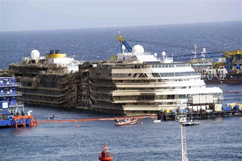 Schip Concordia by The Concordia Cruise Ship Fitbudha