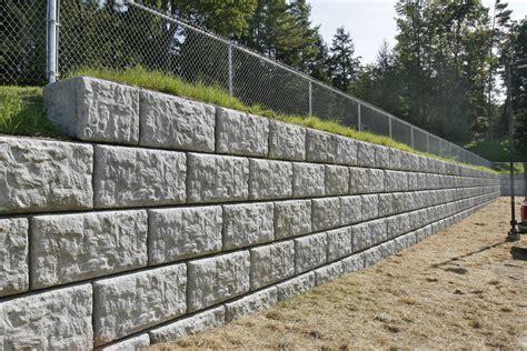 To Install The Retaining Wall Blocks