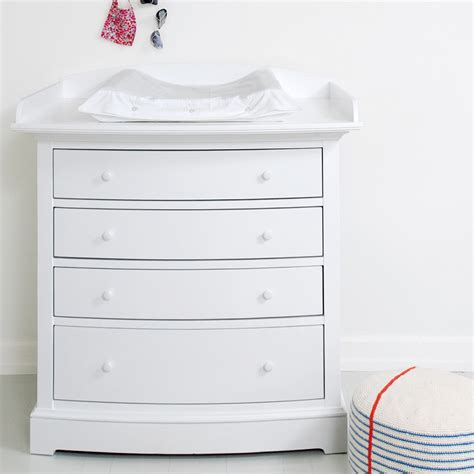 luxury baby change unit in white with removable top cuckooland