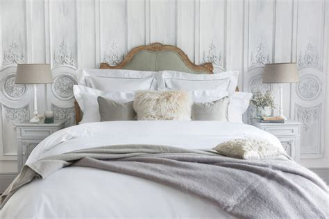 Why Should You Invest In Luxury Bed Linen?