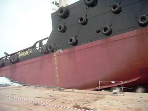 Tug Boat Accidents Youtube accident launching tug boat b 80 youtube