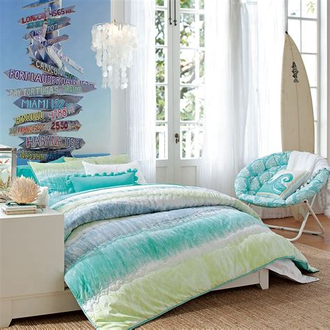 Beach Bedroom Design For Your Passion And Relaxation