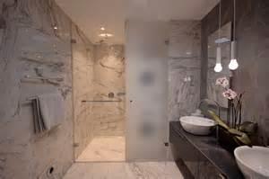 glassconcept italienne salle de bain vitre en verre porte de cloison marbre