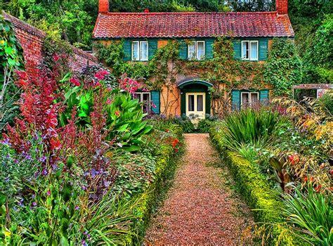 English Cottage Garden, Gardening, Pretty Was The First