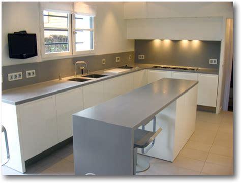 cuisine blanc plan de travail gris cuisine nous a fait 224 l aise dans le processus de
