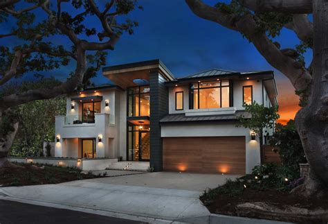 An Ultramodern Home Infused With Warmth In Newport Beach