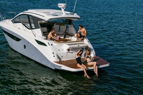 Sea Ray Boats Vs Bayliner by Sea Ray Sundancer 350 Coupe 2017 2017 Reviews