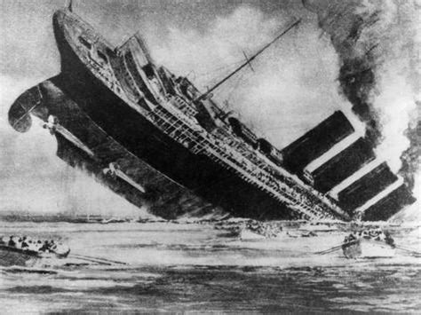 the sinking of the liner rms lusitania torpedoed by a german u boat 1915 photo at