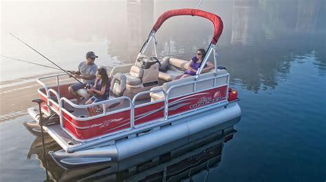 Bass Tracker Boat Videos by Sun Tracker Boats 2016 Bass Buggy 16 Dlx Fishing Pontoon