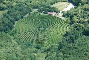 labyrinthe g 233 ant des monts de gu 233 ret