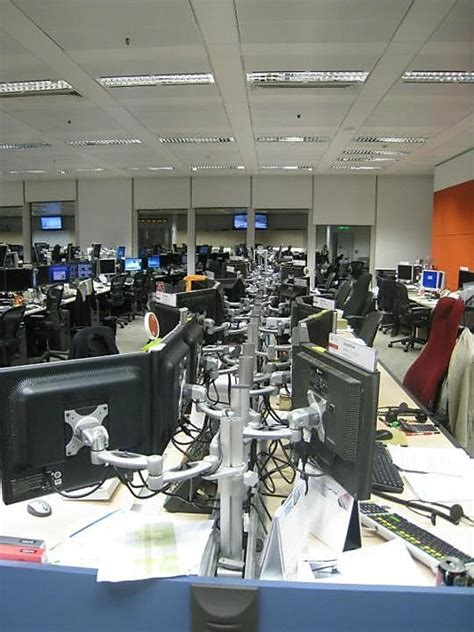 trading floor ubs office photo glassdoor co uk
