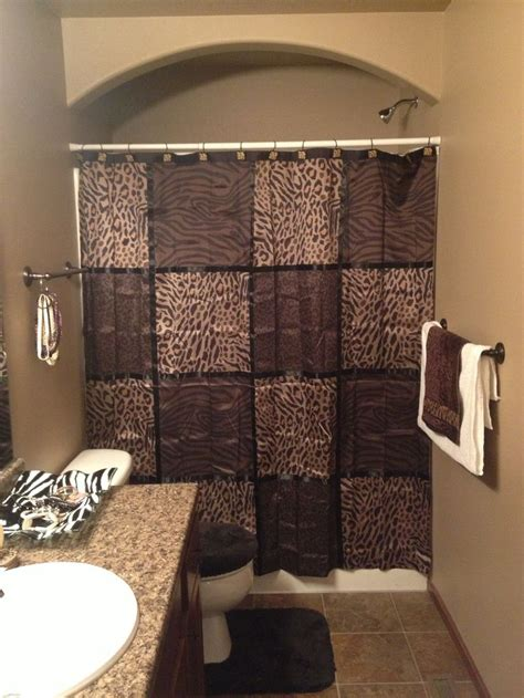 17 best images about leopard print bathrooms on zebra print animal print bathroom